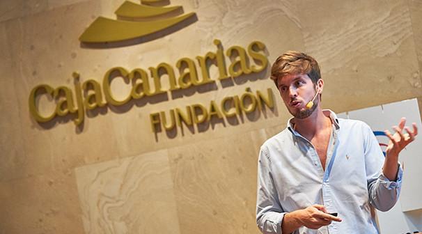 """Foro E: Conferenica de Pablo Gonzalez Ruiz """"No talent no party"""". Espacio Cultural de CajaCanarias © Aarón S. Ramos/AED"""