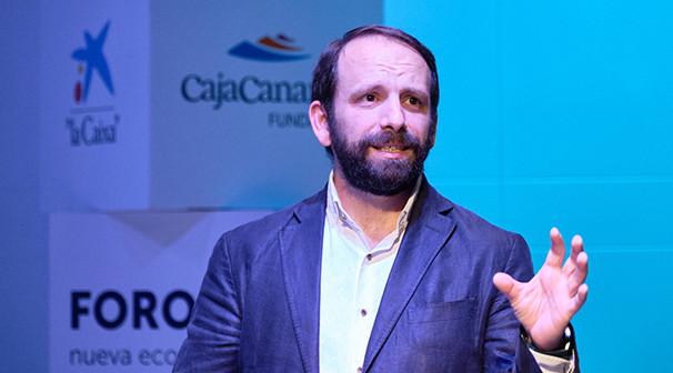 """ForoE: """"Cómo impulsar la creatividad e innovación en las organizaciones"""" de Juan Prego. Espacio Cultural de CajaCanarias © Aarón S. Ramos/FYDE"""